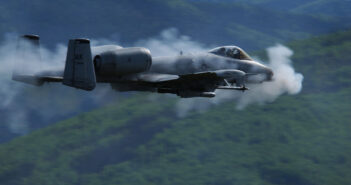 A-10_Thunderbolt_II_Gun_Run