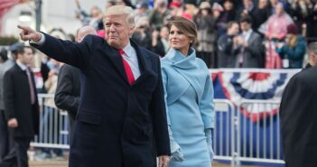 Inaugural_parade_Donald_Trump_and_Melania_Trump_01-20-17
