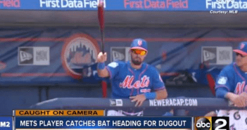 mets-player-catches-bat