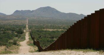 border-wall-mexico-rubio