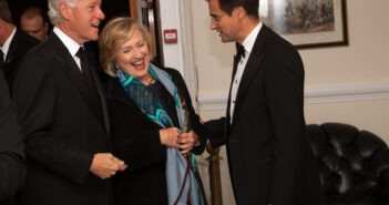 Hillary_Rodham_Clinton_and_Bill_Clinton_Chatham_House_Prize_2013_Award_Ceremony